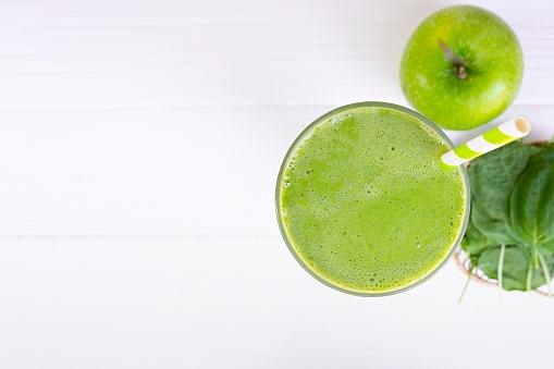 Топ-4 причины употреблять зеленые коктейли каждый день